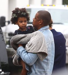 Beyoncé, JAY Z & Blue Ivy Leaving The  Angry Birds Movie in The Hamptons (May 30th, 2016)