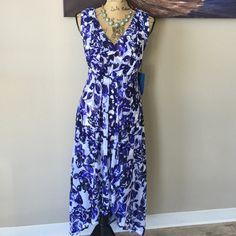 ⚠️FLASH SALE⚠️ SIMPLY VERA Floral Dress High-low dress, flowy. Simply Vera Vera Wang Dresses