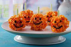 Receita Pirulito de pipoca para o Halloween em formato de abóbora é ideal para o dia do Halloween, pois além de delicioso, pode incrementar a decoração.