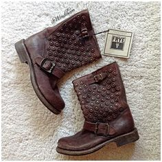 FRYE Jenna Disc Short Boots  Feel free to ask questions. NEW WITH TAGS. NO TRADES. NEVER WORN. Washed or stone washed leather upper. Color dark brown. Brass-tone hardware. Leather Logo///Metal Buckle logo.  мeaѕυreмenтѕ: * нeel нeιgнт: 1 1/4 ιncнeѕ. *  cιrcυмғerence: 13 ιncнeѕ. * ѕнaғт: 9 ιncнeѕ. * plaтғorм нeιgнт: 1/2 ιncнeѕ. Frye Shoes