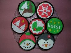 Christmas Cupcakes, Christmas Sweets, Cookies, Fondant, Holidays, Food, Decorated Cookies, Food Cakes, Christmas Biscuits