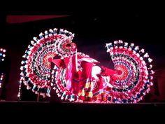 Danza de los quetzales. Esta danza se baila en la sierra norte de Puebla.