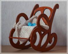 Что может быть лучше в холодный зимний вечер? Сесть в уютное кресло-качалку, взять в руки любимое вязание и забыть обо