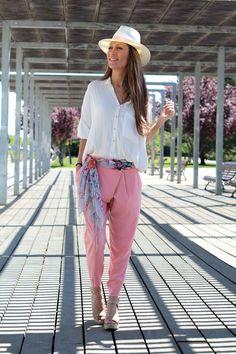 LOLA MANSÍL Fashion Diary: LOVELY PINK