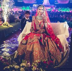 bridal jewelry for the radiant bride Wedding Lehnga, Indian Wedding Wear, Indian Bridal Lehenga, Indian Bridal Fashion, Indian Weddings, Desi Wedding, Punjabi Wedding, Indian Wear, Wedding Bride