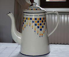Ancienne VERSEUSE tôle émaillée crème décor géométrique bleu & jaune-d or