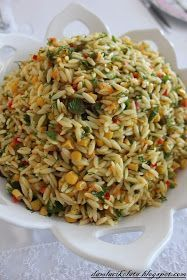 Salad recipe of my friend Feyza, who specializes in salad. - Delicious Meets Healthy: Quick and Healthy Wholesome Recipes City Salads, Dinner Salads, Rice Recipes, Salad Recipes, Vegan Recipes, Cottage Cheese Salad, Turkish Recipes, Ethnic Recipes, Salad Dishes
