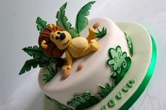 Raa Raa the noisy lion - for youtube video on how to make it go to https://www.youtube.com/watch?v=tB7pYkhypkk&list=UU1z-0SeloNm_6heRY1L4aCA or visit Zoe's Fancy Cakes Facebook page :)