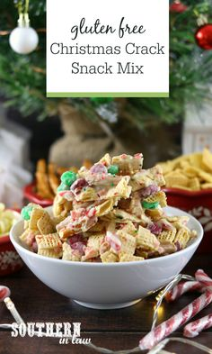 The Ultimate Christmas Crack Snack Mix Recipe - this gluten free snack mix combines salty pretzels, sweet white chocolate, crunchy cereal, minty candy canes and chewy marshmallows to create the best Christmas Chex mix recipe. In Australia and don't have Chex? Swap them for cornflakes. Don't like M&M's, swap them for chocolate chips. This recipe is easily customised to suit exactly what ingredients you have at home! Christmas Snack Mix, Christmas Crack, Holiday Snacks, Homemade Christmas, Christmas Treats, Merry Christmas, Snack Mix Recipes, Fudge Recipes, Candy Recipes