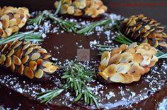 CAIETUL CU RETETE Romanian Food, Brownies, Deserts, Anul Nou, Internet, Face, Kitchen, Corona, Sweets