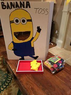 Minion banana toss game