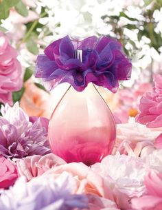 Vibrant violet blossoms, sparkling apple and dreamy musk remind us of Spring! #FlorVioleta #fragrance #perfume