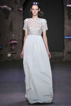 Wedding inspiration: bridal looks from the autumn/winter '15/'16 runway  gallery