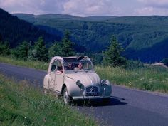Citroen 2 cv  www.romeoauto.it #romeoauto #automobile #auto #car #motors #vintagecars #oldcars