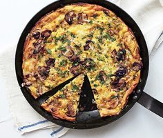 The best formula for a creamy, rich frittata. This Mushroom, Leek, and Fontina Frittata is excellent whether served warm or at room temperature, making it the perfect do-ahead dish. Bon Appetit, Brunch Recipes, Breakfast Recipes, Breakfast Ideas, Low Carb Recipes, Cooking Recipes, Cleaning Recipes, Cooking Tv, Cooking Pasta