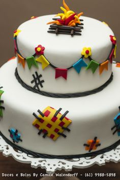 Festa Junina Birthday Decoration: Check out Inspiring Ideas Cake Icing, Fondant Cakes, Fancy Cakes, Mini Cakes, Pretty Cakes, Beautiful Cakes, Cupcakes Lindos, Naked Cakes, Brownie