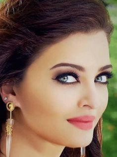 Vote for Aishwarya Most Beautiful Indian Actress, Stunningly Beautiful, Beautiful Eyes, Beautiful Actresses, Most Beautiful Women, Mangalore, Actress Aishwarya Rai, Aishwarya Rai Bachchan, Bollywood Actress