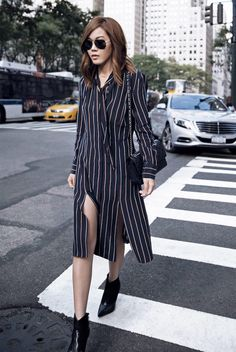 15 Street Style Looks That Will Urge You to Wear a Shirtdress 14