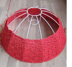 "Crocheting around a lamp shade frame ~ "".using the shell stitch, decreasing is… Crochet Home Decor, Crochet Crafts, Crochet Yarn, Yarn Crafts, Crochet Stitches, Crochet Projects, Crochet Patterns, Diy Crafts, Lampe Crochet"