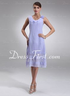 A-Line/Princess Scoop Neck Knee-Length Chiffon Mother of the Bride Dress With Ruffle (008016925)