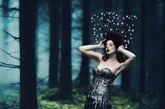 Photographer: Sonja Saur Designer: Tamina von Ribaupierre Headpiece: Posh Fairytale Couture Makeup: Makeup Your Eyes Atelier Model: Rina Bambina
