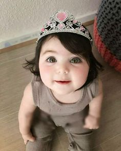 If I had a little girl...she would look like this....tiara included...