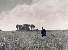 Te voet van Ramspol naar Schokland, 1941  Fotocollectie Nieuw Land, DW; H. Nieuwenhuis