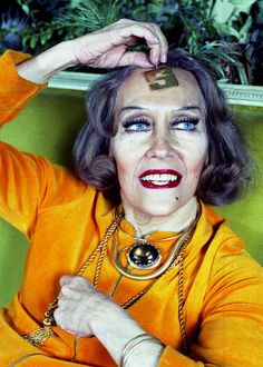Gloria Swanson at home in New York (1972) - Interiorator /// for more interior POP go to Interiorator.com - transmitting tomorrow's trends today