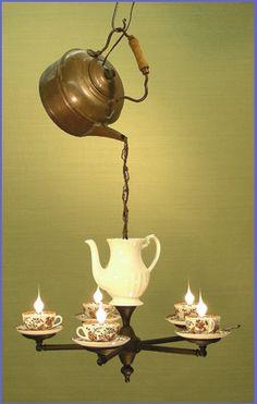 ...o tè per tutti i gusti, e soprattutto tazze e teiere in tutti i modi :)   perché la fantasia non ha davvero limiti         tè luminoso  ...