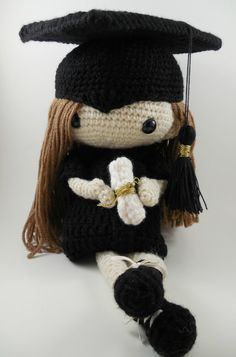 Free pattern! Crocheted Graduation Cap Crochet Creations ...