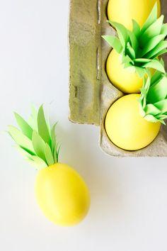 DIY Pineapple Easter Eggs via Studio DIY Easter Crafts, Egg Crafts, Holiday Crafts, Easter Decor, Easter Egg Designs, Easter Ideas, Easter Eggs, Easter Bunny, Simple Diy