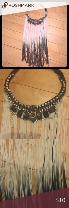 Topshop collar necklace Awesome Topshop necklace.  Total boho vibes!🌿 one tiny jewel is missing.  But you can't notice when it's on. Topshop Jewelry Necklaces