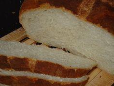 Para mi esta receta representa la magia del pan.  Con tan sólo cuatro ingredientes se consi gue un resultado completamente excepcional.  Es ...