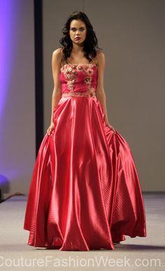 #AndresAquino #fashion #moteuke #mote #design #kjole #kvinne #model #couture #stil #rosa