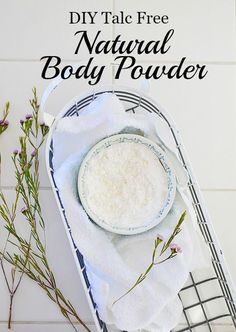 Here's a quick way to make your own natural body powder talc free! Highly absorbent with a fresh, energizing scent you'll love. Here's a quick way to make your own natural body powder talc free! Highly absorbent with a fresh, energizing scent you'll love. After Sun, Homemade Beauty, Diy Beauty, Beauty Skin, Beauty Hacks, Beauty Ideas, Face Beauty, Beauty Care Routine, Beauty Shoot