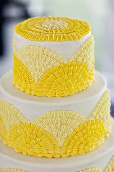 Shades of yellow wedding cake by Daisy Cakes Pretty Cakes, Cute Cakes, Beautiful Cakes, Amazing Cakes, Yellow Wedding Colors, Yellow Weddings, Orange Wedding, Yellow Flowers, Daisy Cakes