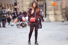 #fashion #fashionista @Nicoletta Scent of Obsession Cappotto stampa azteca short in pelle nera casual look