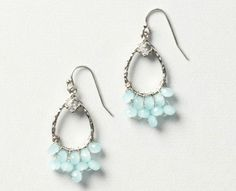 How stunning would these earrings be for your bridesmaids? Loving the mint!