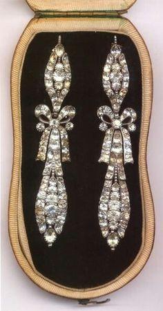 "Marie Antoinette""s Diamond Earrings Royal Jewelry, Jewelry Box, Jewelry Accessories, Fine Jewelry, Jewelry Stores, Jewellery Shops, Marie Antoinette, Ring Armband, Antique Jewelry"