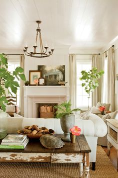 Decor Inspiration Farmhouse Renovation by Historical Concepts in Senoia, Georgia Cottage Living, Home Living Room, Cottage Style, Living Room Designs, Living Room Decor, Cozy Living, Country Living, Living Spaces, Country Decor