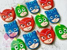 PJ Masks, pa, pa, PJ Masks! #pjmasksparty #owlette #catboy #gecko #pjmasks 3rd Birthday Cakes, Fourth Birthday, 4th Birthday Parties, Birthday Party Decorations, Birthday Dinner Menu, Birthday Dinners, Pj Masks Costume, Mask Party, Royal Icing Cookies