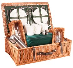 Our full range of luxury picnic hampers, ranging in size from 2 person - 6 person luxury hampers. Our baskets are handmade.