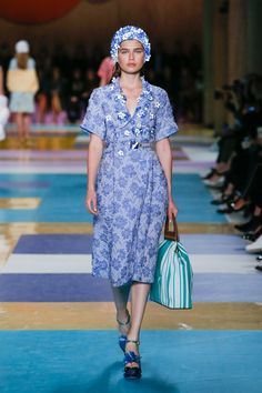 Miu Miu Spring 2017 Ready-to-Wear Collection Photos - Vogue