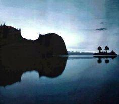 Islands or violin?