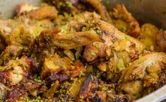 pintade poulet combava Chicken Wings, Food, Island, African Cuisine, Sunday Meal Prep, Eten, Islands, Meals, Diet