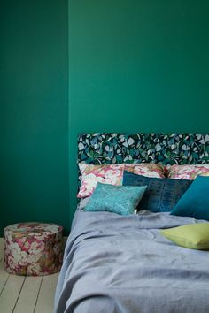 Evergreen Fabric Dark Multi — Imogen Heath Interiors England Houses, New England Homes, Pastel Designs, Linen Bedding, Bed Linen, Scatter Cushions, Modern Colors, Bed Styling, Commercial Interiors