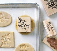 Use clean rubber stamps to imprint cookies. Use a leaf stamp and make some 'biscuits', i. shortbread cookies for a hobbits low tea. Yummy Treats, Sweet Treats, Yummy Food, Galletas Cookies, Sugar Cookies, Shortbread Cookies, Springerle Cookies, Cupcakes, Good Enough To Eat