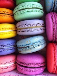 Most wonderful macarons! My favorite! If anyone wants to make my day, bring me to LaDurée for a rose petal macaron. Yummy Food, Tasty, Yummy Mummy, Rainbow Colors, Bright Colours, Rainbow Things, Bunt, Nom Nom, Sweet Treats