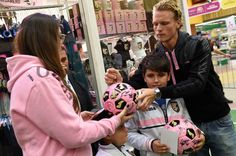 Oscar Hiljemark Photos - Oscar Hiljemark of US Citta di Palermo Visits Conca d'Oro Store - Zimbio
