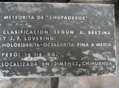 Placa de identificação do meteorito. Cidade do México. Foto : Cida Werneck